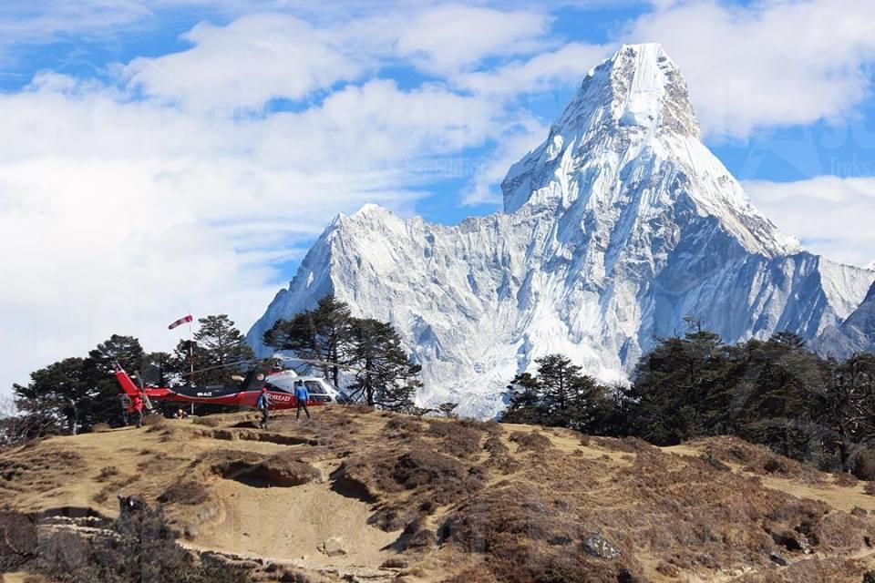 everest trek with Heli Tours