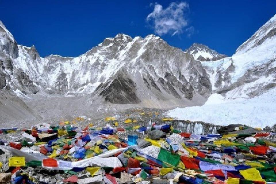 Lobuche East Peak Climbing with Everest Base Camp Trek