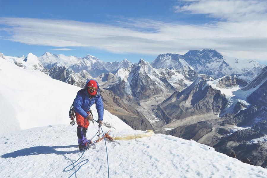 Mera Peak Climbing (6476 m) via Amphu Laptsa Pass