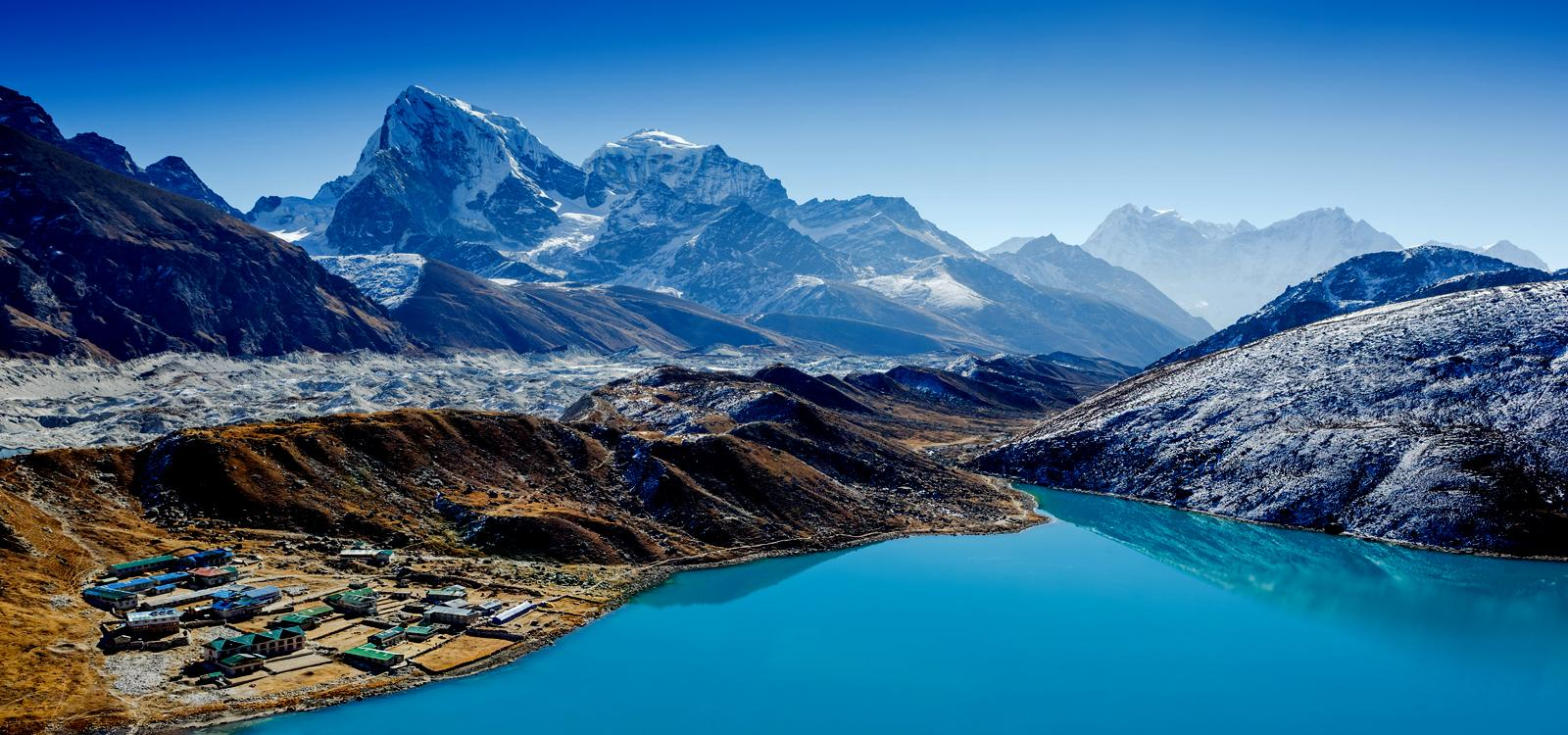 www.heli.com with Everest Gokyo Valley Trek on Indus River In Ladakh as well Watch also Hot Model In Lingerie Does Photo Shoot In Heli Taxi Flying Over Los Angeles Video 89185 in addition Blue Lake Express likewise Watch.